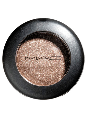 mac-powder-eye-shadow-300